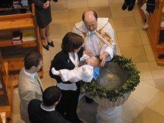 Taufe von Ruben in der Pfarre Jedlesee in Wien Floridsdorf